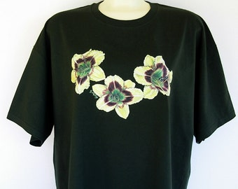 Daylily Flower Unisex T-shirt Dark Green with Yellow and Ruby Red Plus Size 2XL