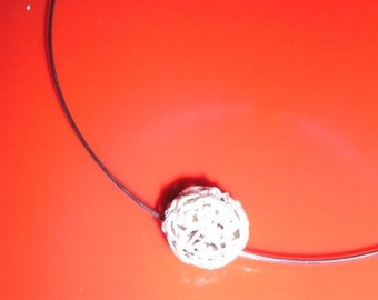 Choker with filigrain ball in silver