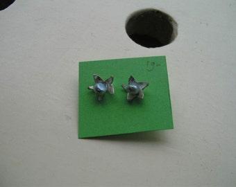 Earrings : flower with freshwater pearl