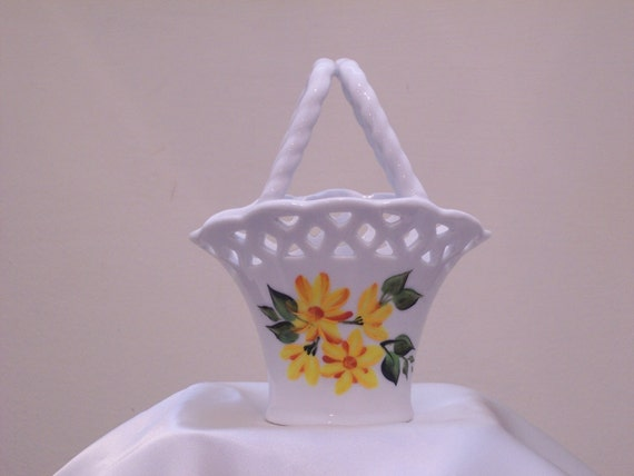 Hand Painted Mini Ceramic Basket with Yellow and Orange Daisies