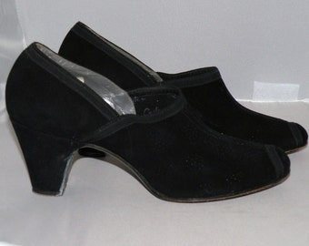 1930s to 40s Black Suede Pumps