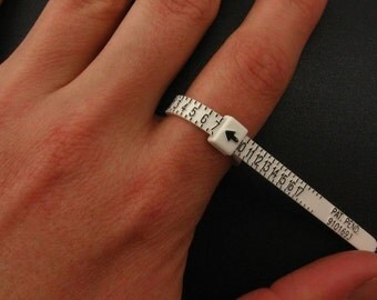 Ring sizer, ring sizing gauge, finger sizer, reusable multisizer.