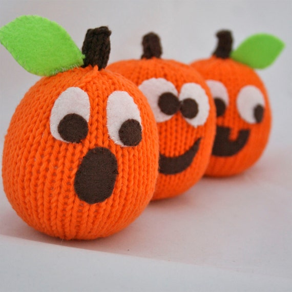 Knitted Pumpkin Pattern : Seamus the Pumpkin PDF Knitting Pattern by TheSproutCo on Etsy
