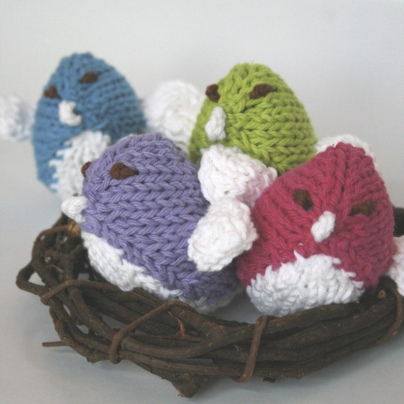 1 Baby Bird Rattle, choose your color