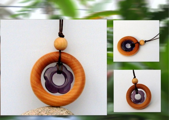 Mama's Blooming Garden Teething Ring Necklace with Red Fluorite Flower Pendant