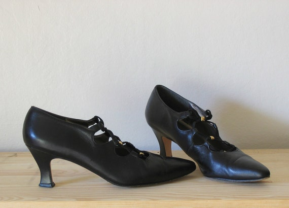 WITCHY CRISS CROSS black leather high heels, 9
