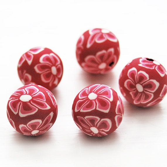 Floral red and white fimo beads 13mm  - 8 pcs