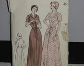 Vintage Misses Butterick 5104 Sewing Pattern 1940s Fitted Bodice 4 Gore Skirt Robe PLUS Sz 18/36 Housecoat
