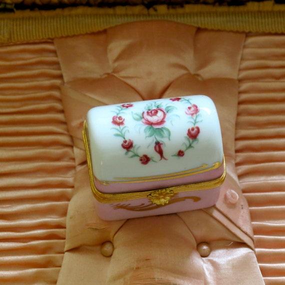 Lovely Vintage Pink Limoges Box.......