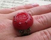 Vintage Retro Button Ring red rhinestone art deco brass adjustable antique