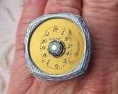 Steampunk Ring Antique watch parts vintage jewellery rhinestones gold aurora borealis