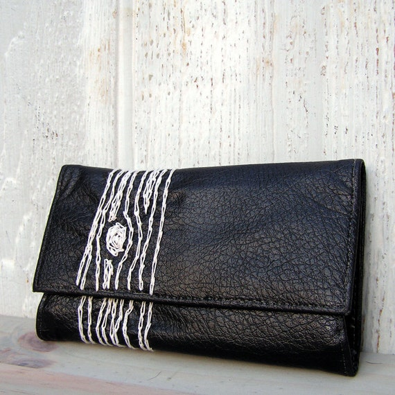 black and white wood grain wallet