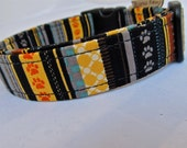 Urban Outfitters Large Dog Collar with cute paw print tracks and geometric striped pattern