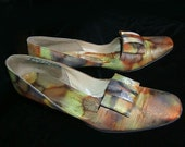 Vintage  Shoes Heels Pumps with Color Splash Metallic Tie Dye Orange Green Custom Shoes. Metallic abstract design. Bow Design.  8 AA