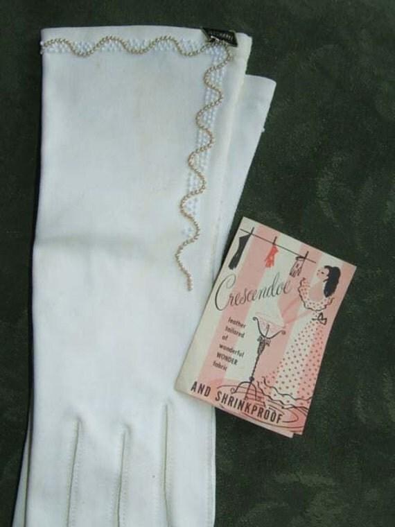 Vintage NOS White Crescendoe Embellished  Beaded Gloves Cotton Wonder Fabric. 6.5