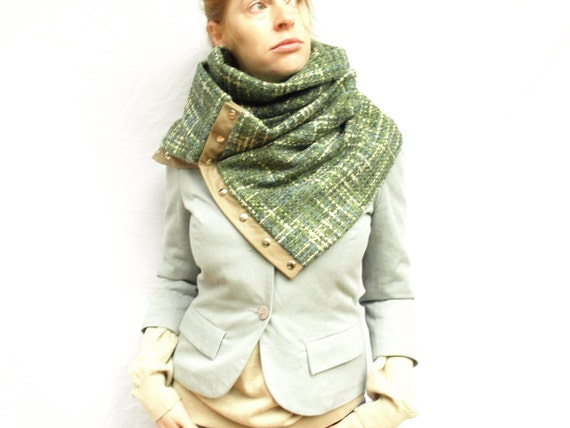 SALE 35 % off Chunky wool circular infinity scarf    last one