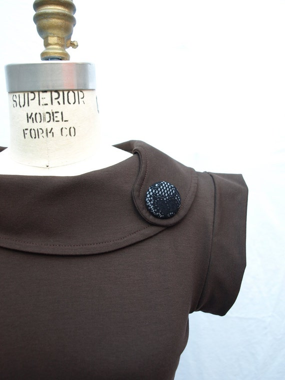 Lady-chic chocolate brown  retro top medium