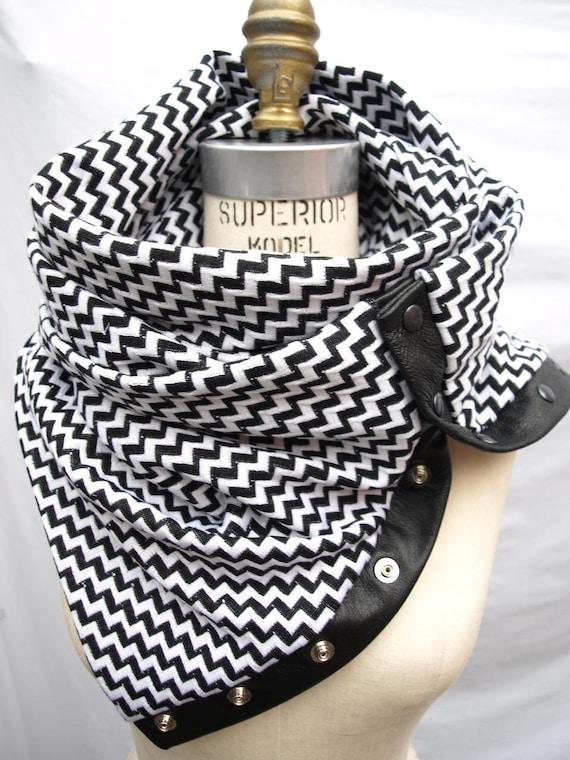 Reserved for jbarta Black chevron Chunky circular infinity scarf    last one