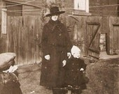 Antique Photo Mother In Large Brimmed Hat With Children Ontario Estate