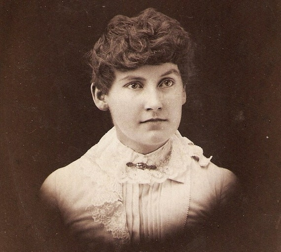 Vintage Cabinet Card Photo Curly Haired Woman With Lace Collar Orillia Ontario