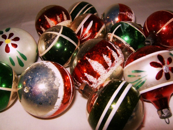 Traditional Glass Christmas Tree Ornaments : Glass christmas tree ornaments traditional red green white