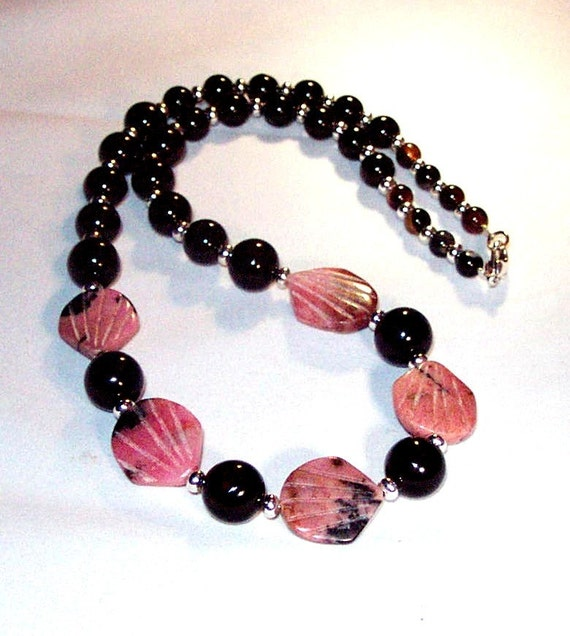 Black Agate and Rhodonite Fans Necklace