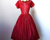vintage 1950's dress ...valentine red MODE O'DAY novelty heart print cotton full skirt pin-up dress with heart buttons  l xl