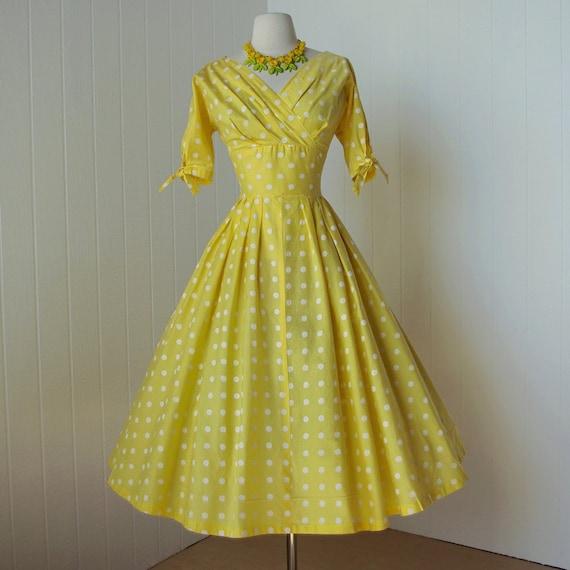 vintage 1950's dress   ...classic yellow POLKADOT surplice bodice full skirt pin-up summer sun dress