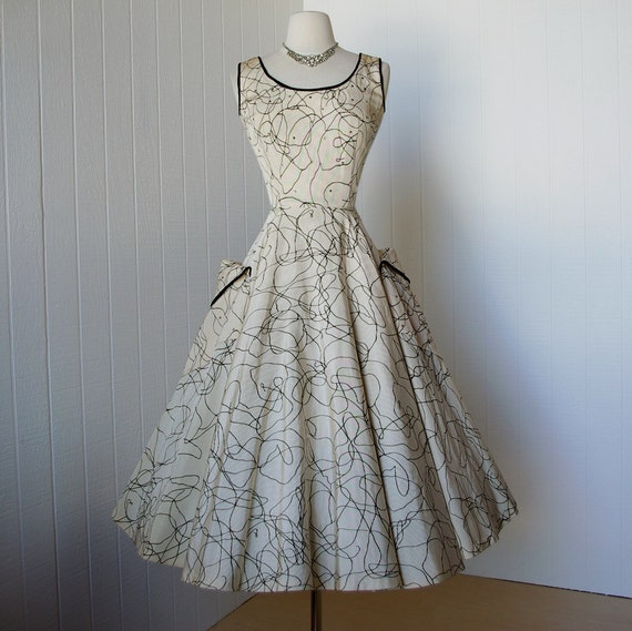 vintage 1950's dress ...gorgeous dior inspired SUZY
