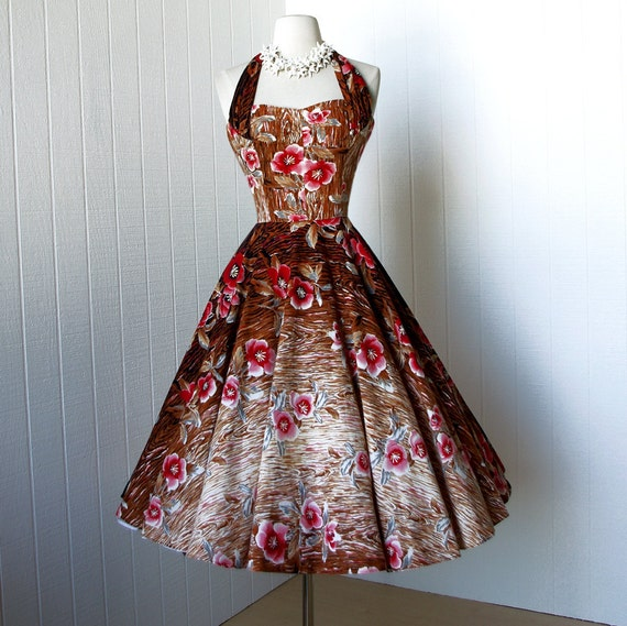 vintage 1950's dress ...my favorite KAMEHAMEHA gradient hawaiian print convertible halter full circle skirt pin-up dress