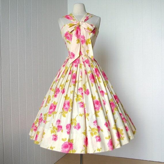 vintage 1950's dress ...gorgeous designer MERLE BEITLING pink cabbage rose floral novelty print full skirt pin-up cocktail dress with bow