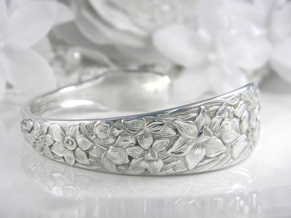 Spoon Bracelet CUFF, Silverware Jewelry, Spoon Jewelry, Silverware Bracelet, Bridesmaids Gift, Silver CUFF - 1935 NARCISSUS (Small-Medium)