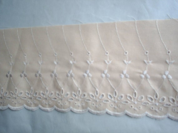 Cotton Wide Peach Eyelet Lace New 5 1/4 inches wide BTY