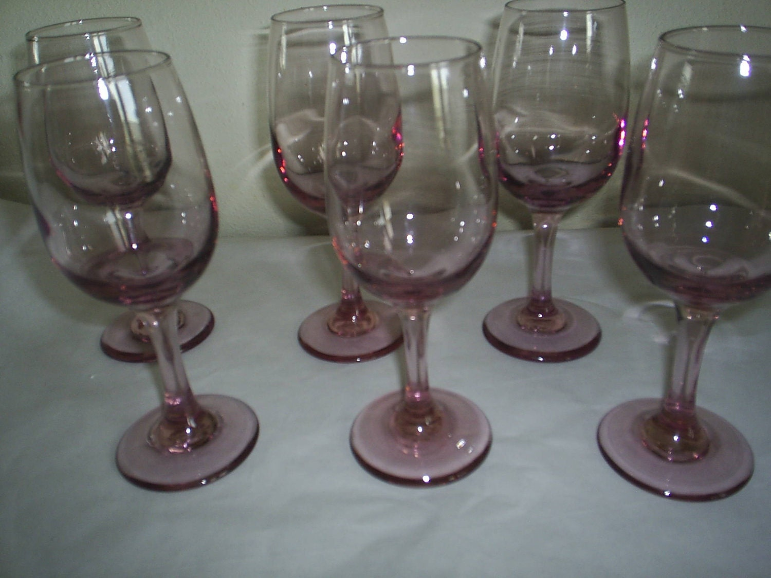6 rose colored glasses wine goblets beautiful. Black Bedroom Furniture Sets. Home Design Ideas