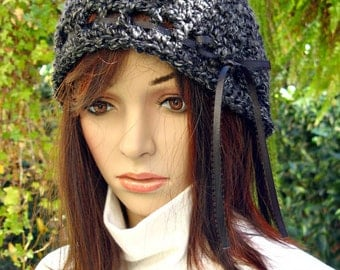 Crocheted Cloche Hat - Black and gray