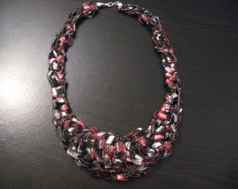 Trellis Ladder Yarn Crochet BIB Necklace PATTERN