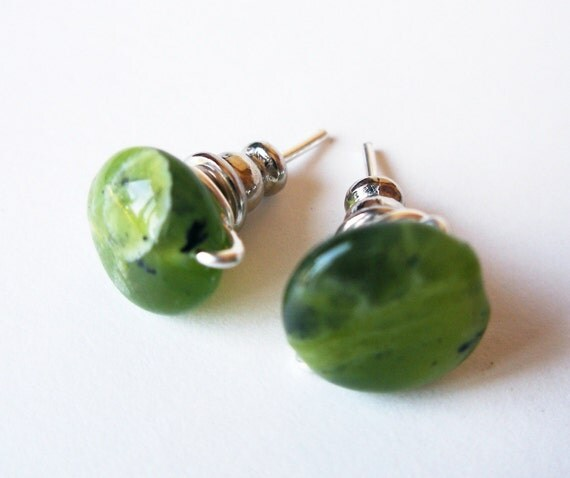 FREE SHIPPING Green Jade Studs