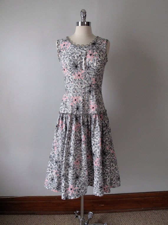 1940s Dress -  Leaves - Pink and Grey
