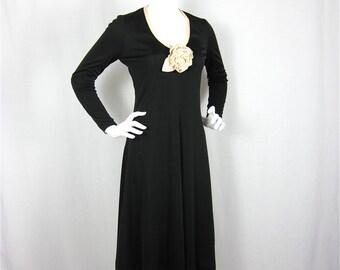 Vintage 1960s / 70s Black and White Reversable Dress, Sz S, M