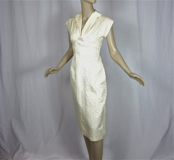 Sweet but Sexy Vintage 1950s 60s White Dress, Sz S