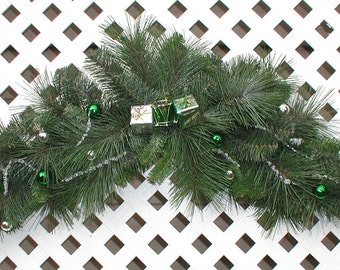 Green and Silver Wreath - Christmas Wreath - Christmas Swag - Holiday Wreath - Holiday Swag - Christmas Door Wreath - Holiday Door Wreath
