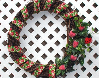 Strawberries Grapevine Wreath - Summer Wreath - Spring Wreath - Grapevine Wreath - Strawberry Wreath - Ladybug Wreath - Door Wreath - Wreath