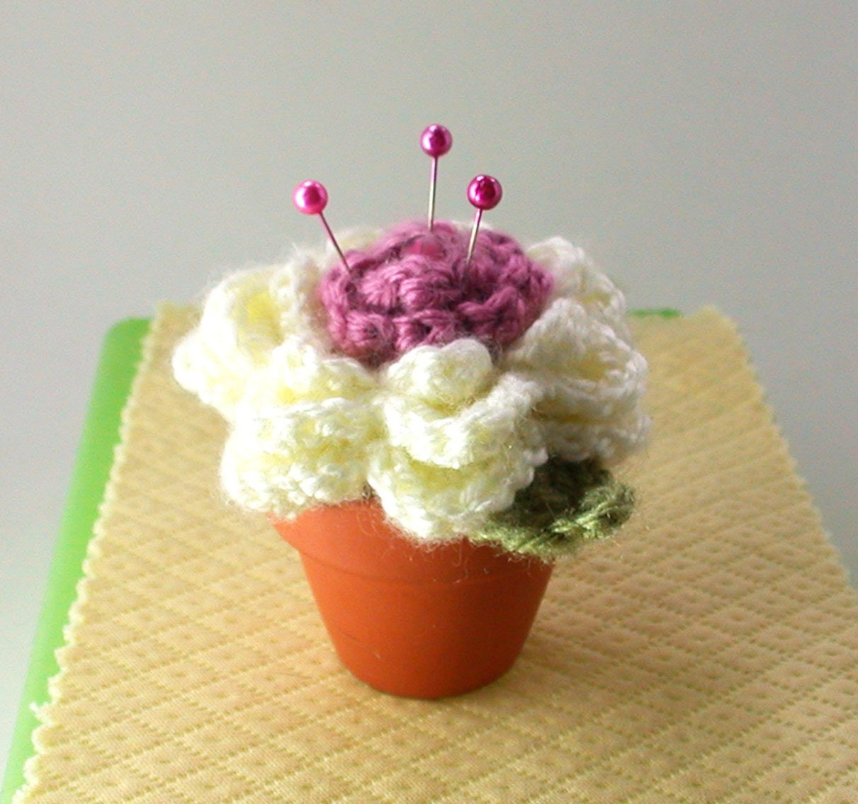 Etsy Amigurumi Cactus : Amigurumi Cactus Flower Mini Pincushion by BettysWorld on Etsy