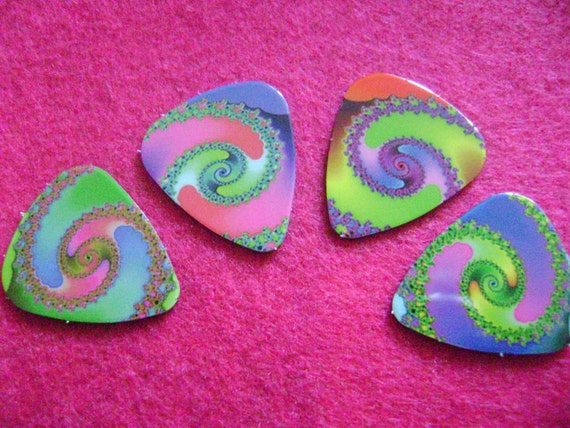 4 psychedelic swirl guitar picks