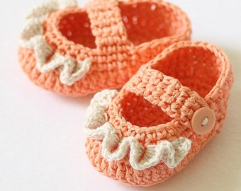 Crochet PATTERN  - Ruffle Mary Janes