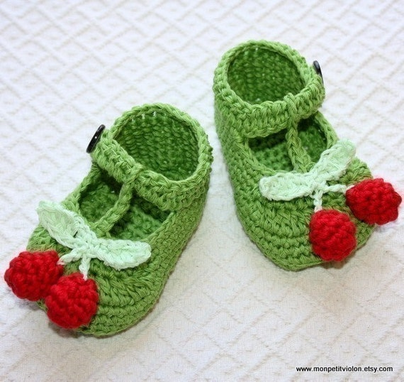 Instant download - SALE - Crochet PATTERN for baby booties (pdf file) - T-strap Cherry Baby Booties