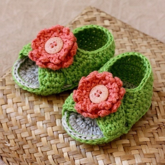 Instant download - Crochet PATTERN for baby booties (pdf file) - Cross Strap Baby Sandals