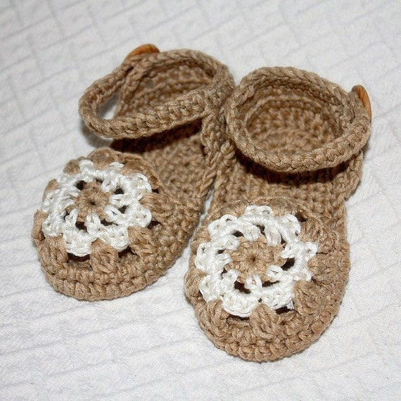 PATTERN - Baby Sandals (includes sizes up to 24 months)