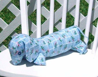 Dachshund Blue with White Lattice and Pink Rosebuds Pillow Adult Toy Dog Doxie Puppy