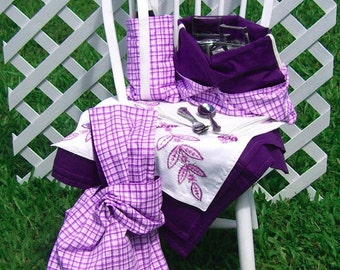 Picnic Set for Four Purple Plaid Two Bags Bottle Carrier Tablecloth Embroidered Mat